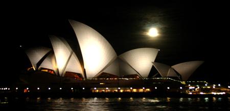 opéra de sydney en pleine lune