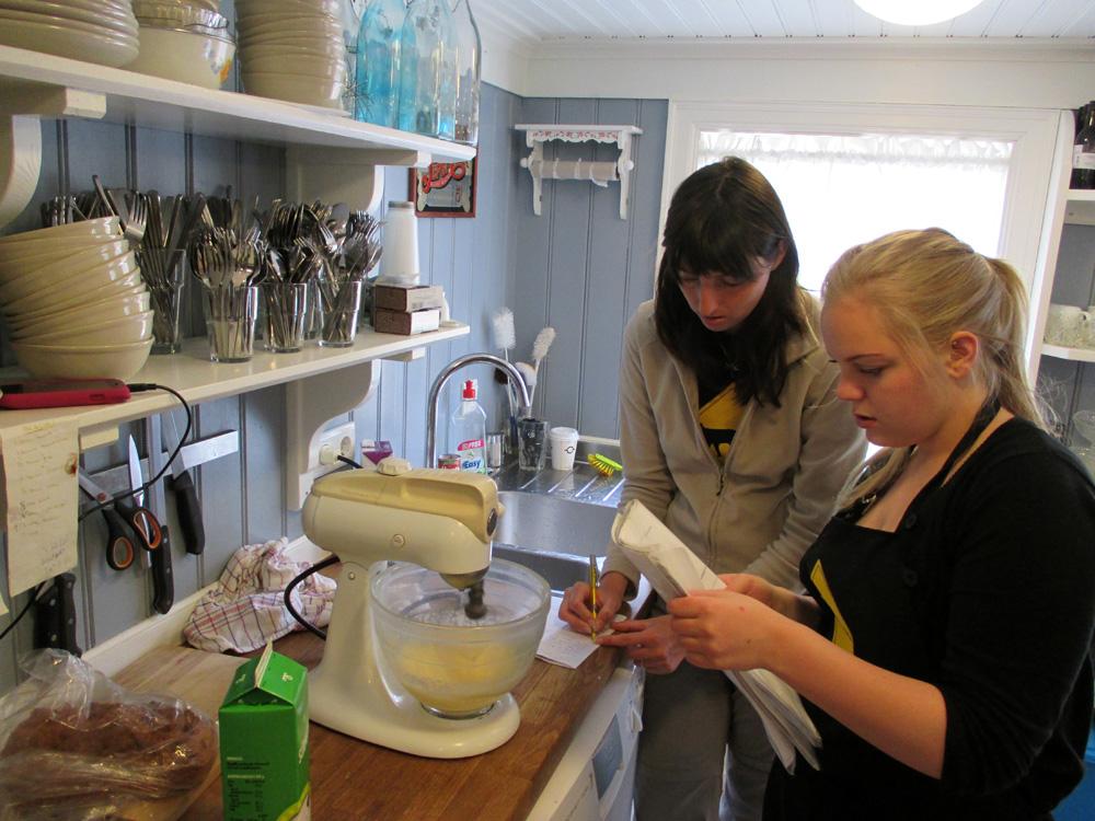 Préparation de gâteaux avec Elin.